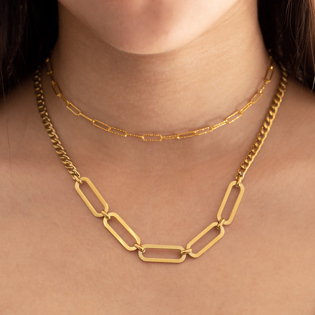 Roxy Chunky Chain Necklace on model - gold