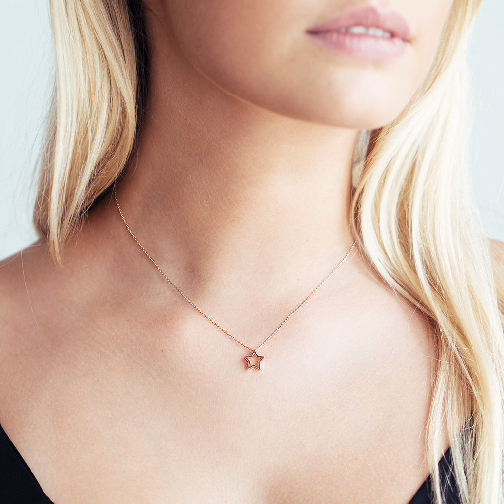 Hollow Star Necklace - Gold