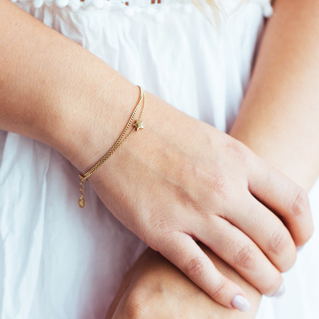 Shoot Star Bracelet on model close up - gold