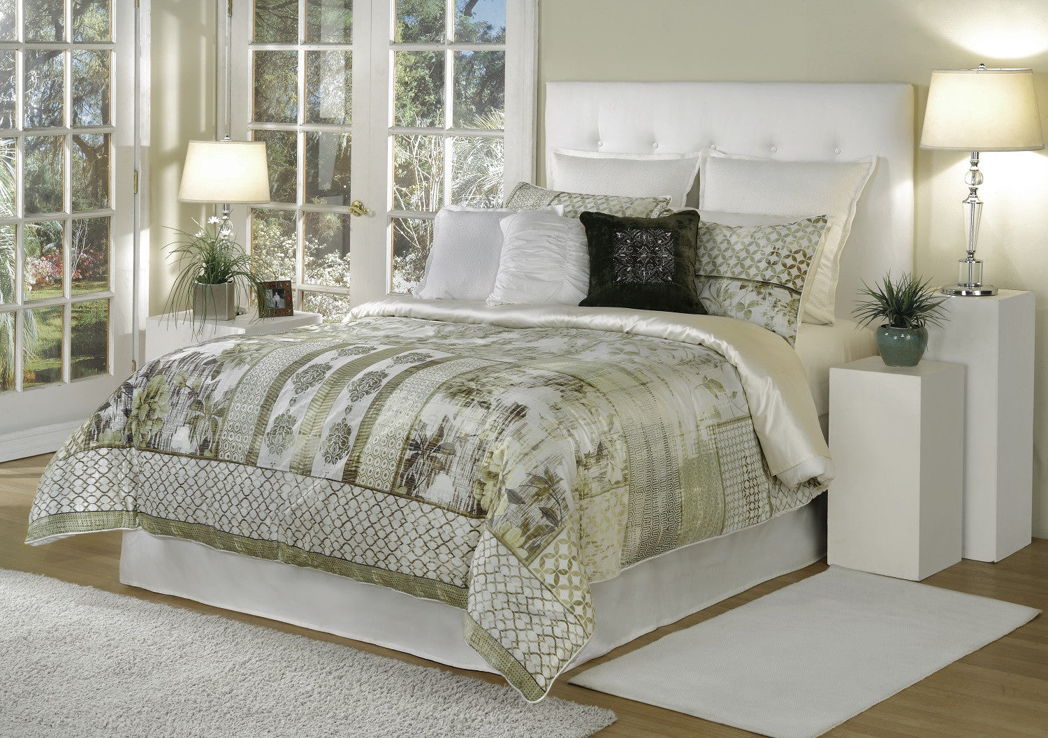 bed INC Quinn Beige Comforter Set