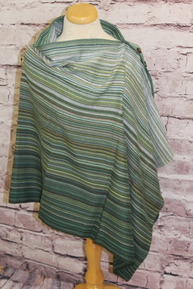 Hand Woven Button Poncho - Succulent - Vert Fonce Bamboo Weft - Plain Weave