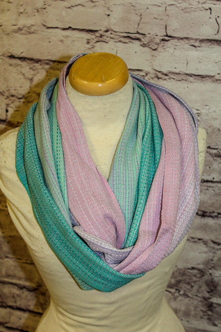 Hand Woven Infinity Scarf // Sisters Are Magic - Gris Pale Bamboo Weft - Pebble Weave