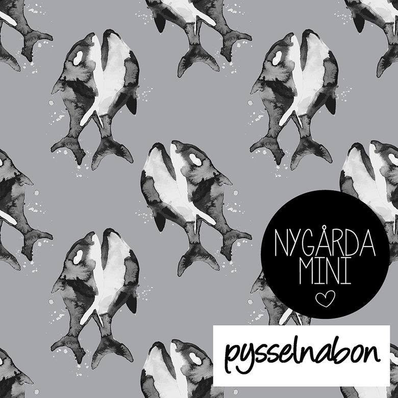 Whales Jersey, Gray by Pysselnabon