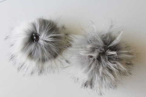 Pom Pom Light Gray Faux Fur