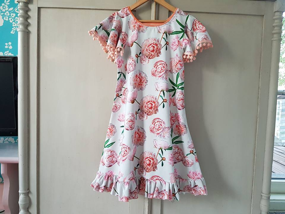 Peonies Jersey, Light Gray-Pink by Majapuu