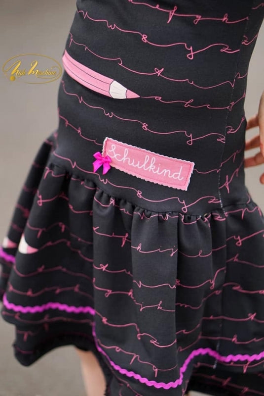 School Kid Jersey, Black Pink by Mamasliebchen