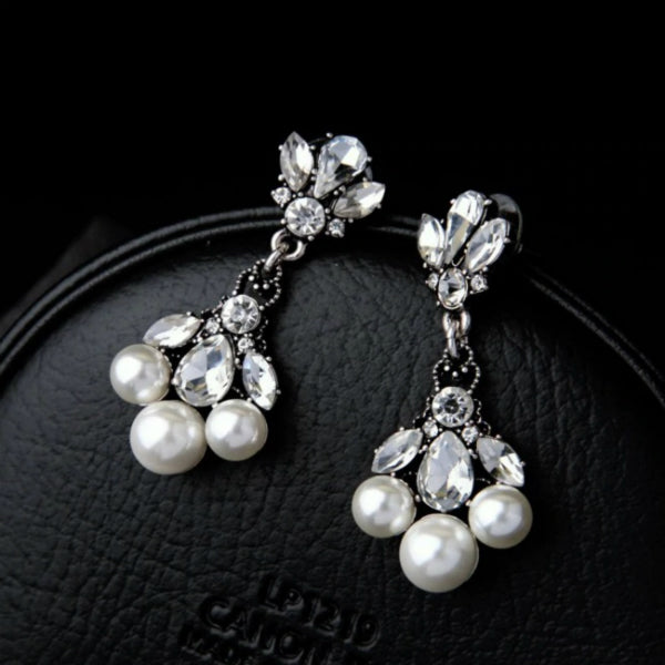 Celia Pearl Earrings