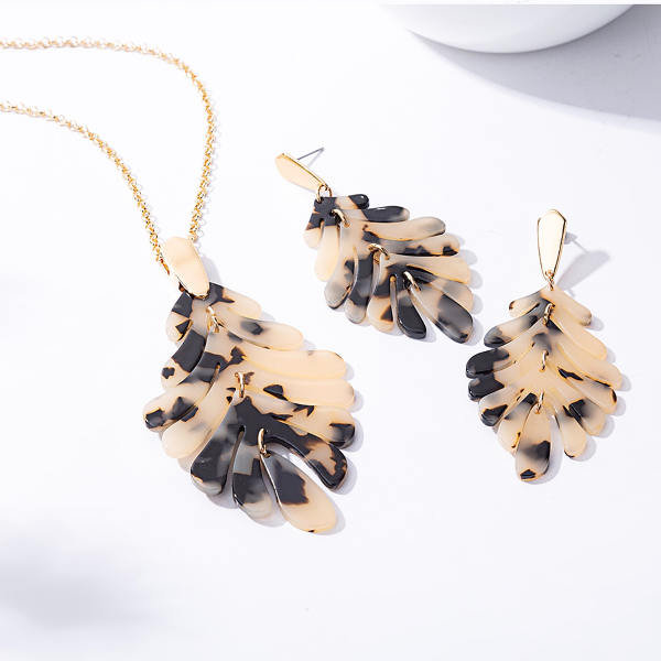 Leaf Necklace and Earrings Set - Light Tortoise
