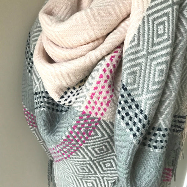 """Style me up"" Scarf - Gray and Light Pink"