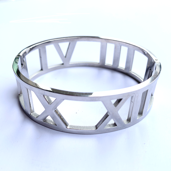 Wide 4 Roman Numerals Bangle Bracelet - Stainless Steel