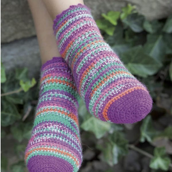 Crochet socks in Rellana Flotte Socke Mississippi - Crochet pattern - I Wool Knit