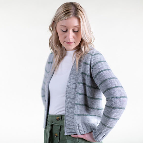 Cardigan 'Downstream' in Àrd Thìr - Kate Davies Designs Yarn Pack - I Wool Knit