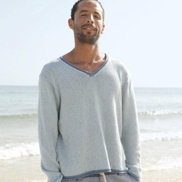 men's v-neck jumper in ggh Reva. Rebecca Knit Kit