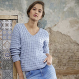 V-neck Sweater in ggh Manila - Rebecca Knit Kit - I Wool Knit