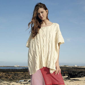 Poncho with fantasy pattern in ggh Volante - Rebecca Knit Kit - I Wool Knit
