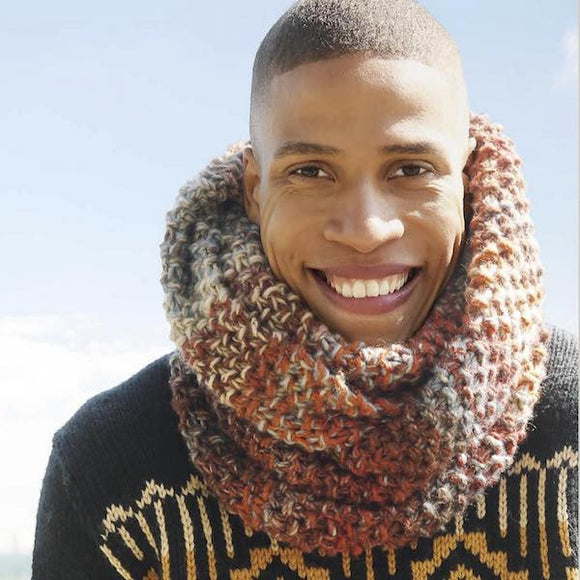 Voluminous winter cowl for men in ggh Joker - Rebecca Knit Kit - I Wool Knit