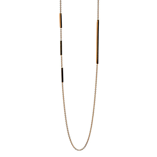 minimalist fine jewellery. edge necklace in 14k gold with fine chain
