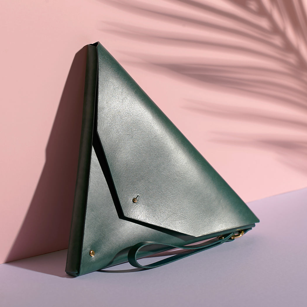 Triangle Clutch Agave Green