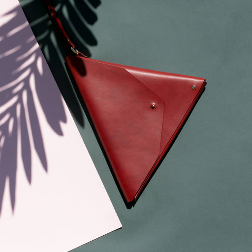Triangle Clutch | Marsala