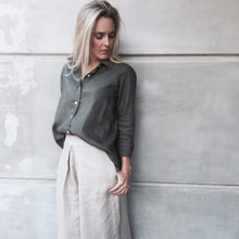 Load image into Gallery viewer, Lizzie Linen Shirt - Khaki