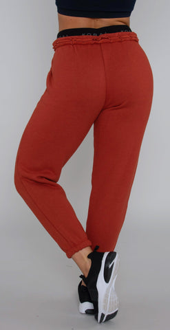 products/A2486F74_Karma_Mantra_Sweatpant_rouge_red_resized-4.jpg