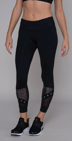 products/APL201175_Roxy_7.8_Pant_black_resized-2.jpg