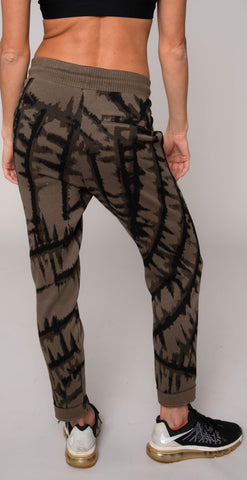 products/JA6P-010_Tye_dye_Jacquard_pant_army_resized-4.jpg