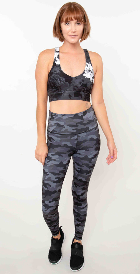 Wear it to Heart High Waist Reversible Leggings Black Scarlet Camo WITH