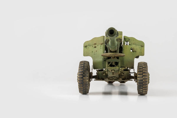 1/35 scale model Trumpeter 152mm Soviet Howitzer D-20 Plastic kit 02333