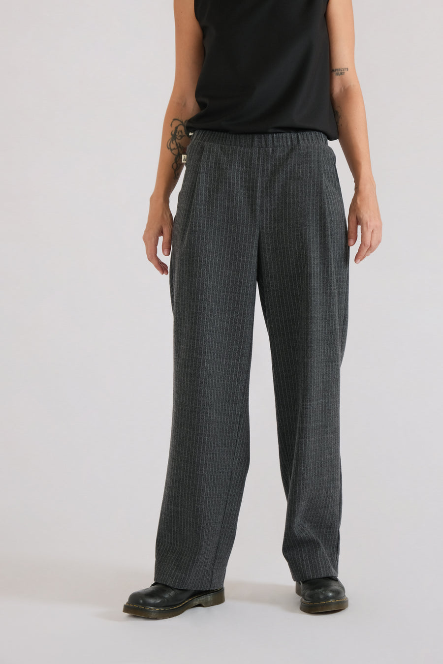 DEN PANTS in high-segmented wool