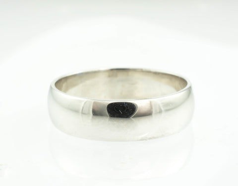 14 Kt White Gold Band