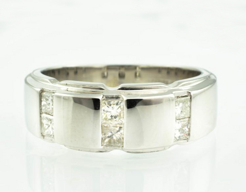 14 Kt White Solid Gold Diamond Band