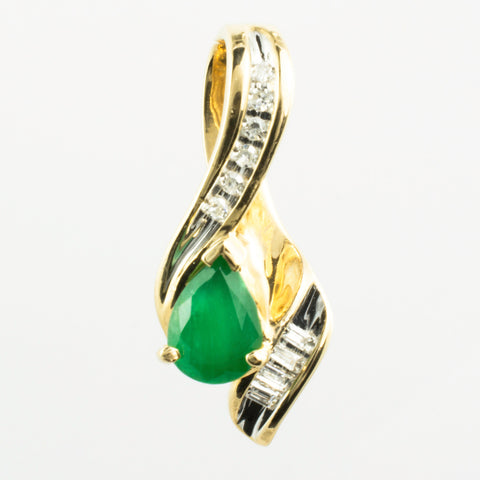 14 Kt Yellow Gold Emerald & Diamond Charm