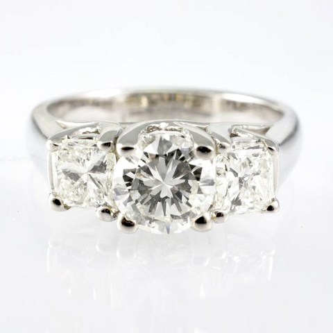 14 Kt White Gold Engagement Diamond Ring