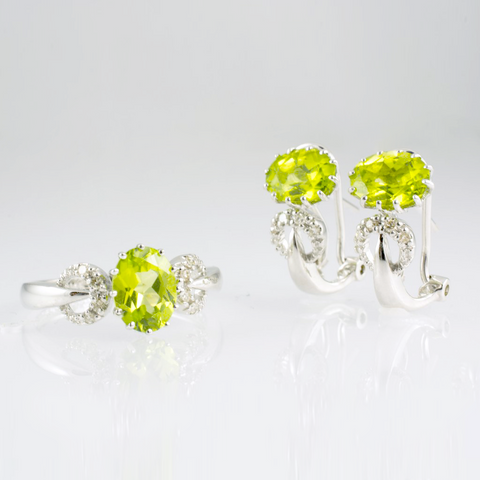 14 Kt White Gold Peridot & Diamond Set