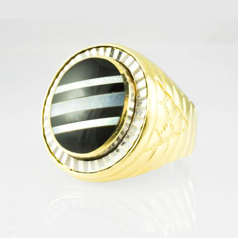 14 Kt Yellow Gold Mother of Pearl & Onyx Men's Ring