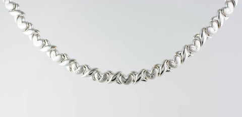 14 Kt White Gold Hugs & Kisses Necklace