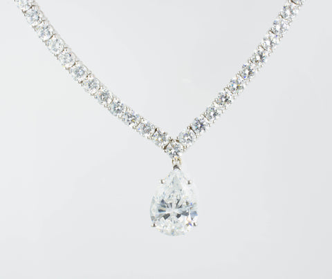 14 Kt White Gold Stunning C/Z Necklace