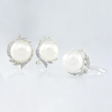 14 Kt White Gold Pearl & Diamond Set