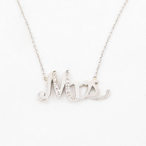 14 Kt White Gold Diamond Mrs Necklace