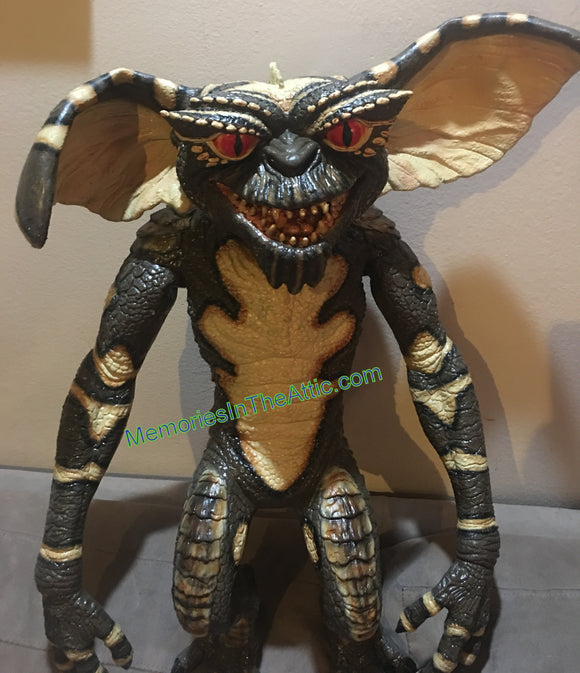 Trick Or Treat Studios Gremlins Evil Gremlin Hand Puppet Quality Movie Style Prop