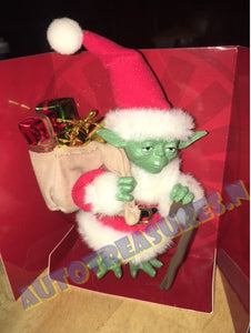 "Star Wars Santa Yoda Fabrich Tablepiec Statue from Kurt S. Adler 5"" Figure"