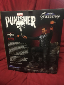 "Diamond Select Toys Frank Castle 9"" Punisher PVC Diorama Statue Jon Bernthal Actor"