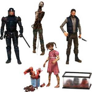 Walking Dead Comic McFarlane 4 Governor Penny Tank Riot Glenn Michonnes Pet Zombie Series 2