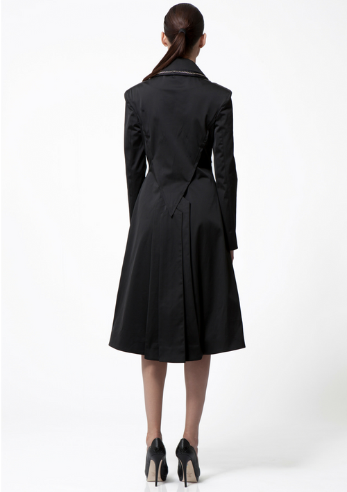 Single breasted, mac style, black, cotton sateen coat