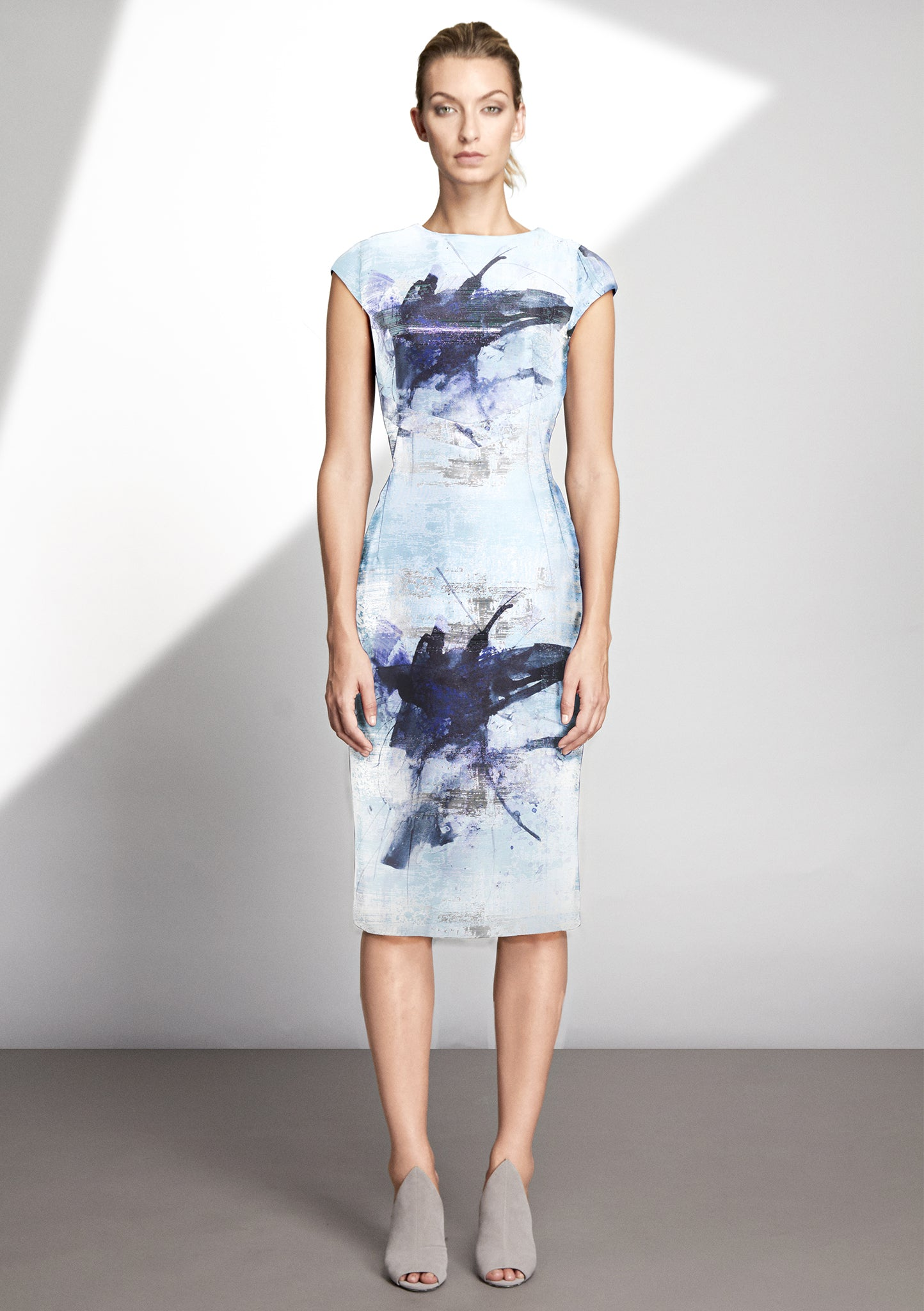 Over the knee dress with printed Lurex Jacquard
