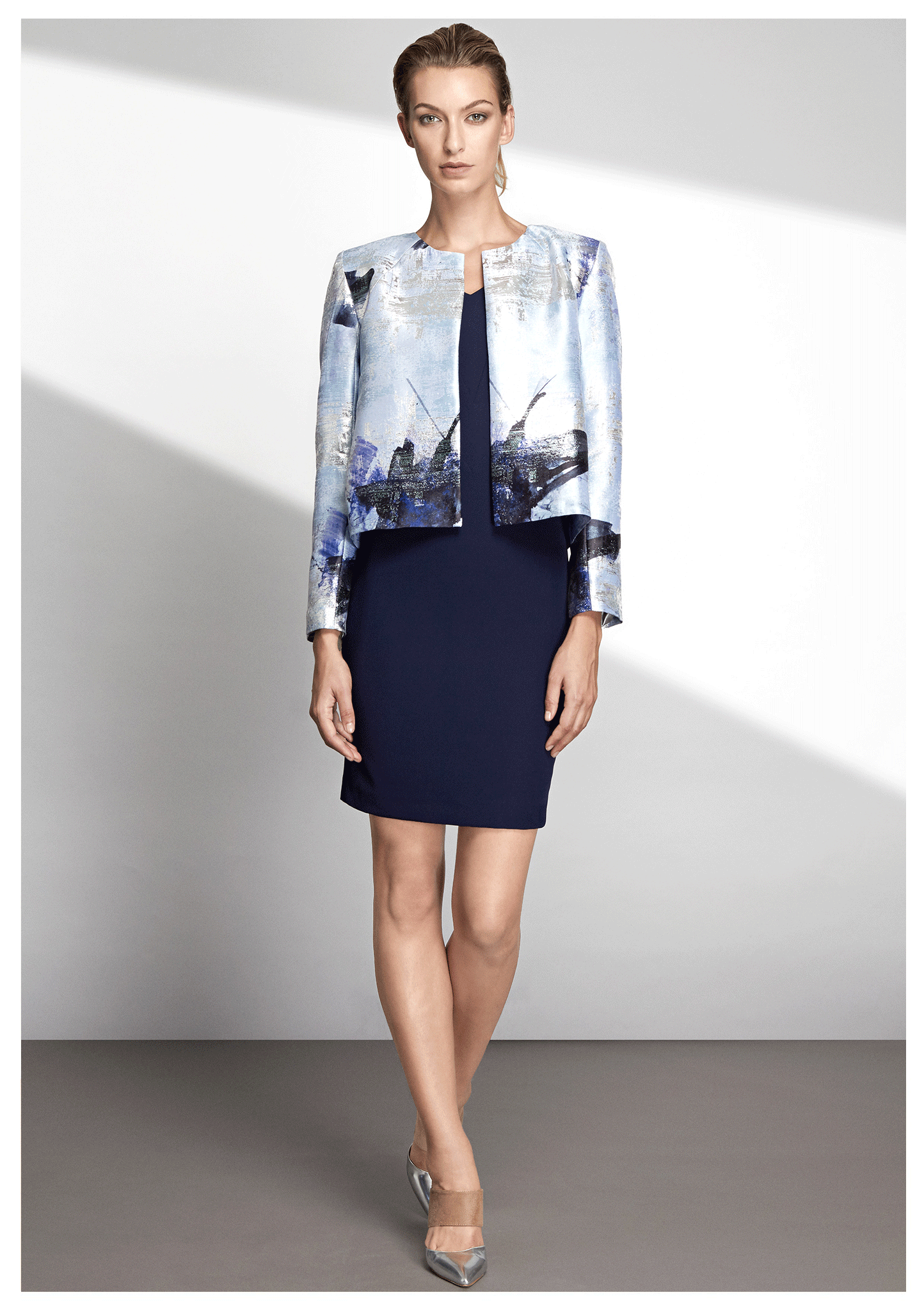 Slim-fit, collarless jacket with metallic graphic print