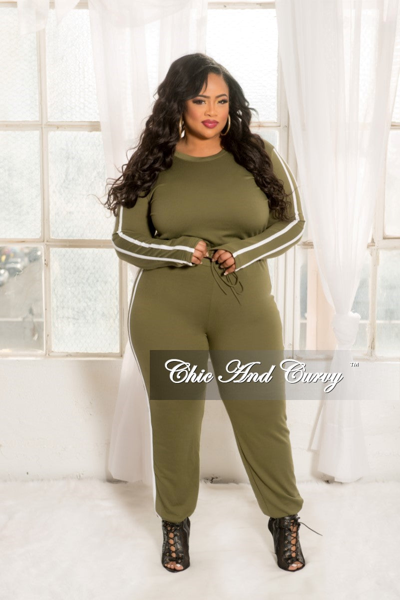 New Plus Size 2-piece Jogger Set in Olive with White Trim
