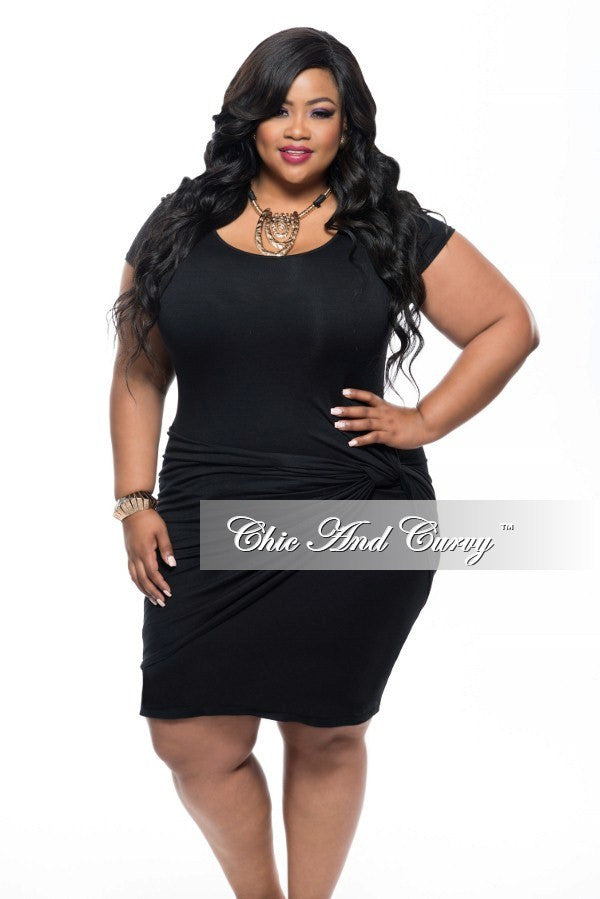 New Plus Size BodyCon Dress with Knot Front and Short Sleeves in ...
