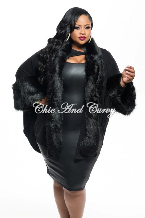 Final Sale Plus Size Poncho w/ Faux Fur Trim in Black One Size